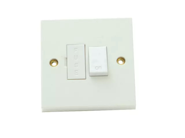 SMJ FUSED SWITCHED SPUR CONNECTION UNIT 13 AMP WHITE - W13SCC